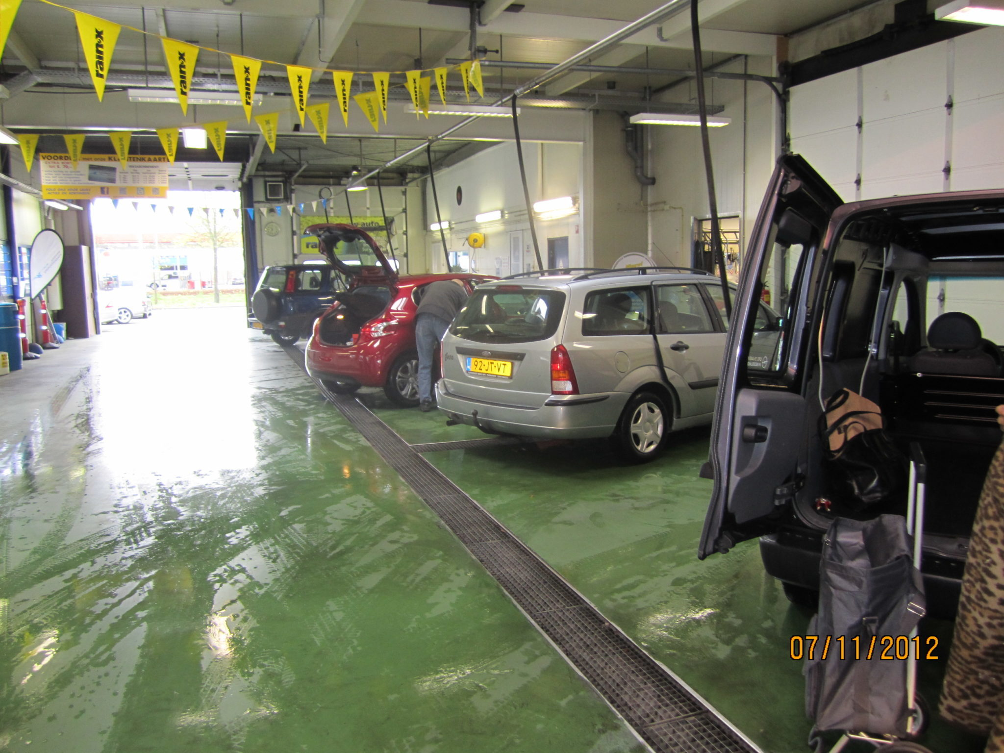 Auto gratis stofzuigen - Autocleanservice Purmerend